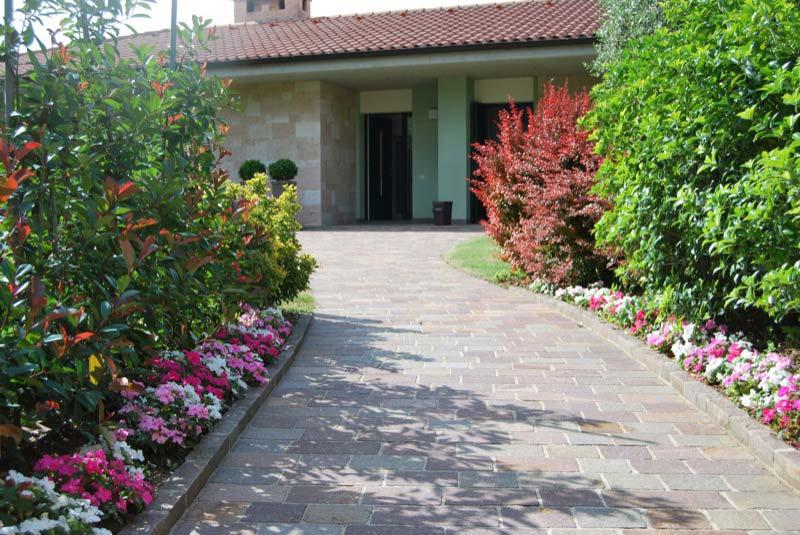 Casa con il giardino a Ostra Vetere