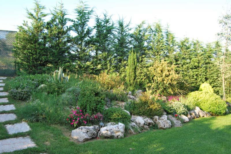 Vista del giardino di una casa a Ostra Vetere