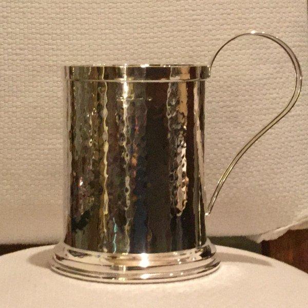 Boccale martellato a mano in argento