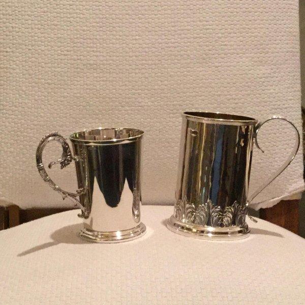 2 boccali in argento cesellato a mano