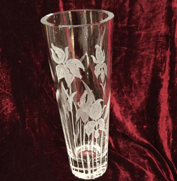 Vaso in cristallo molato a mano