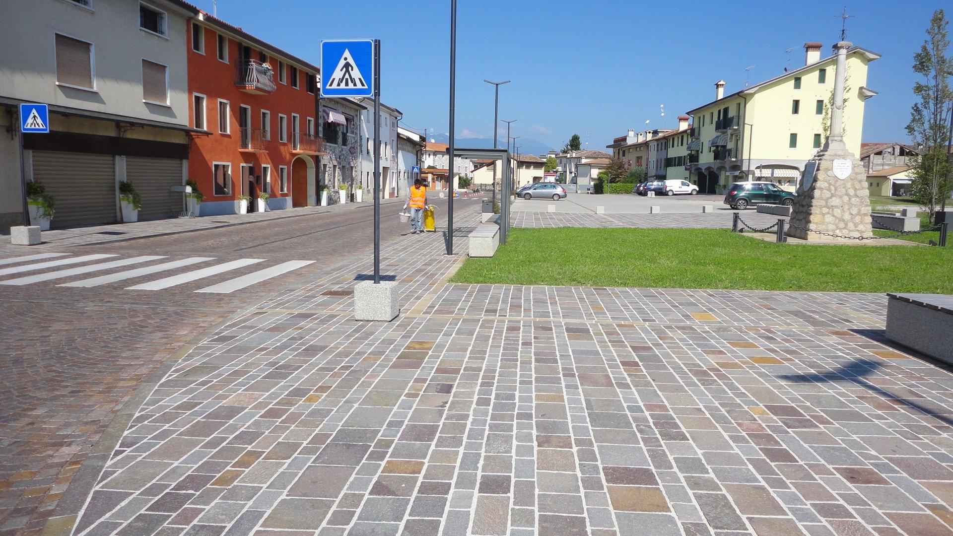 Piazza Mosnigo
