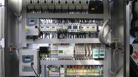 impianti elettrici complessi, impianti elettrici ad alta capacità, quadri di controllo elettrico