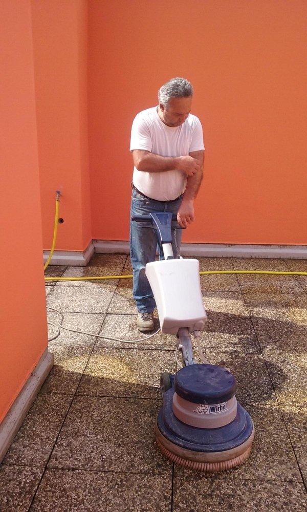 pulitura pavimentazioni esterne