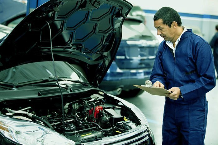 Thorough check up done by the expert motor mechanic in Nerang