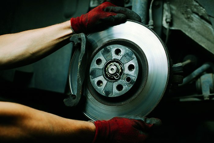 Dependable brake repairs by the motor mechanic in Nerang