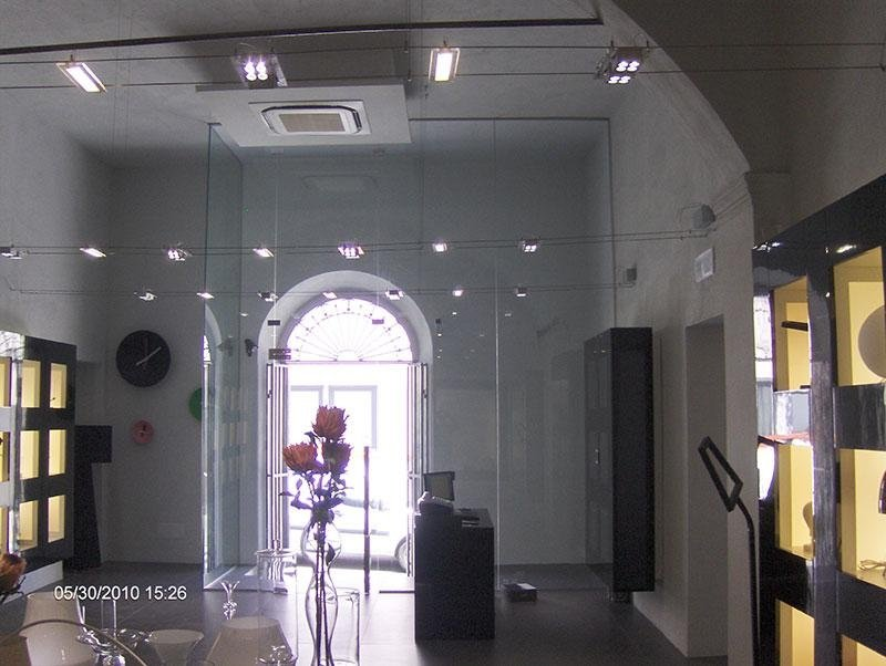 vetrata negozio