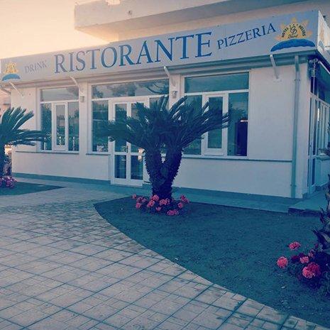 Ingresso del ristorante dell'hotel Helios a Caulonia