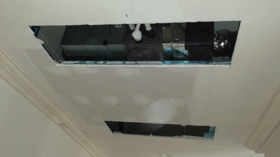 Preparazione di bocchette nel soffitto