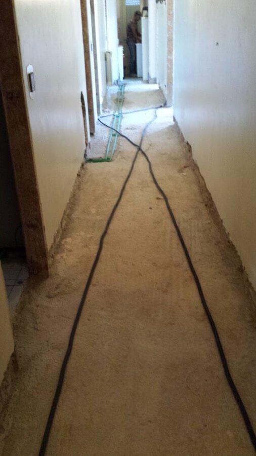 Rifacimento del pavimento di un corridoio