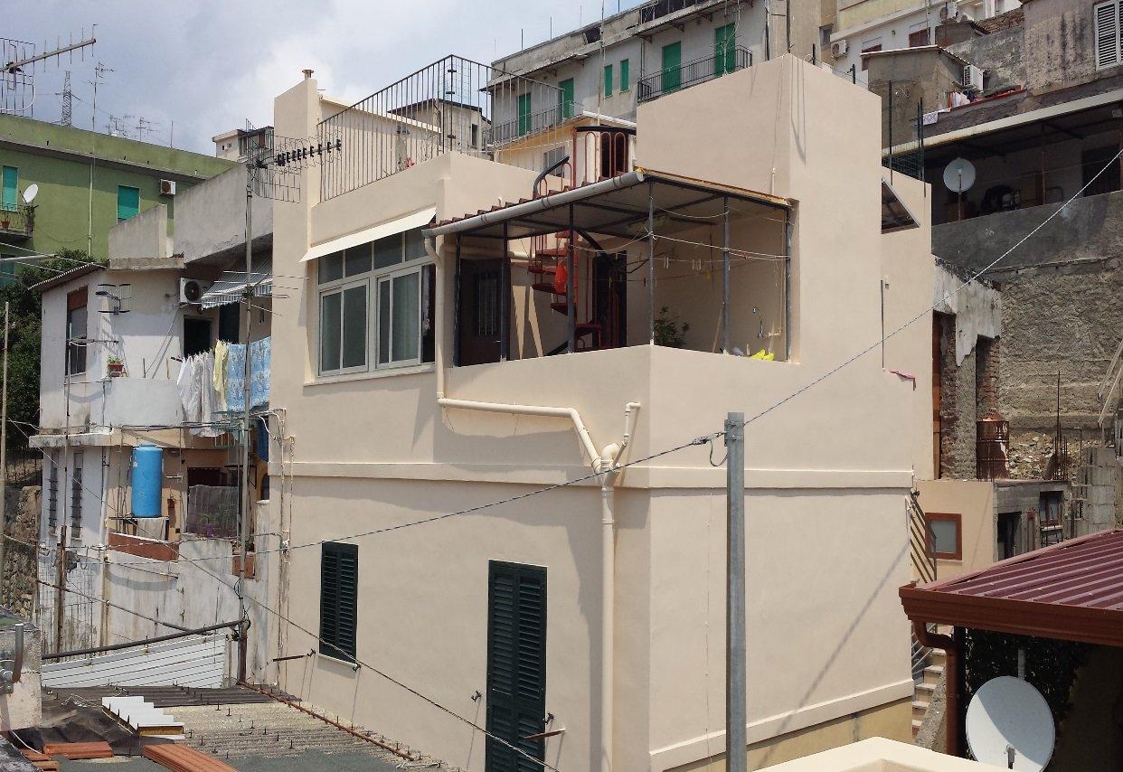 edificio baige ristrutturato