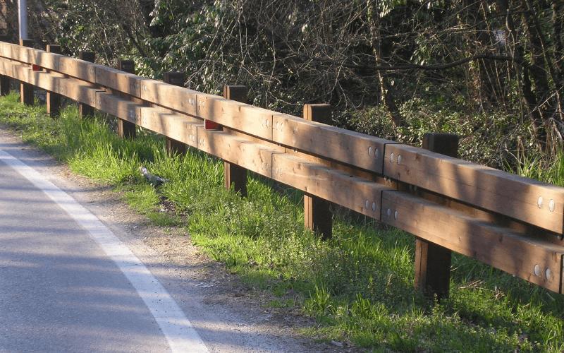 posa barriera legno