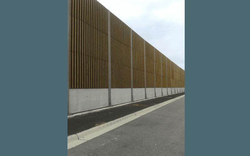 barriera legno autostrada