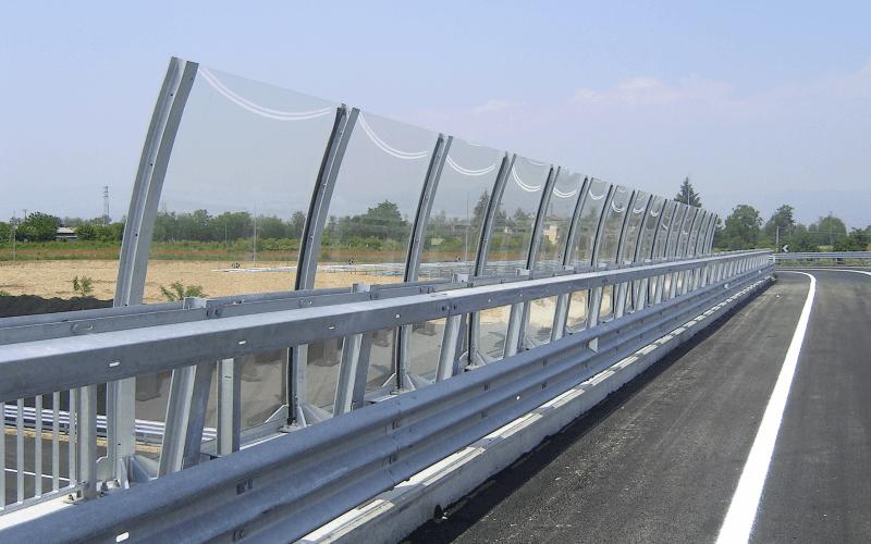 barriera trasparente strada