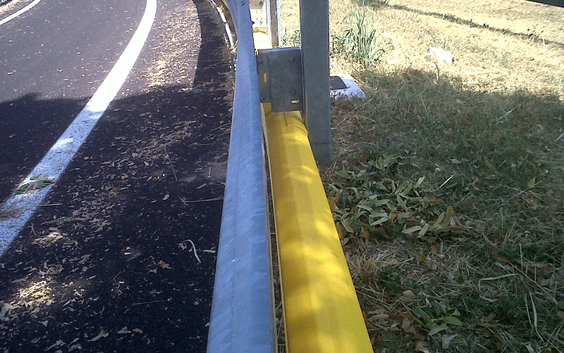 doppia barriera stradale