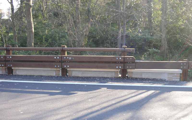 barriera laterale legno