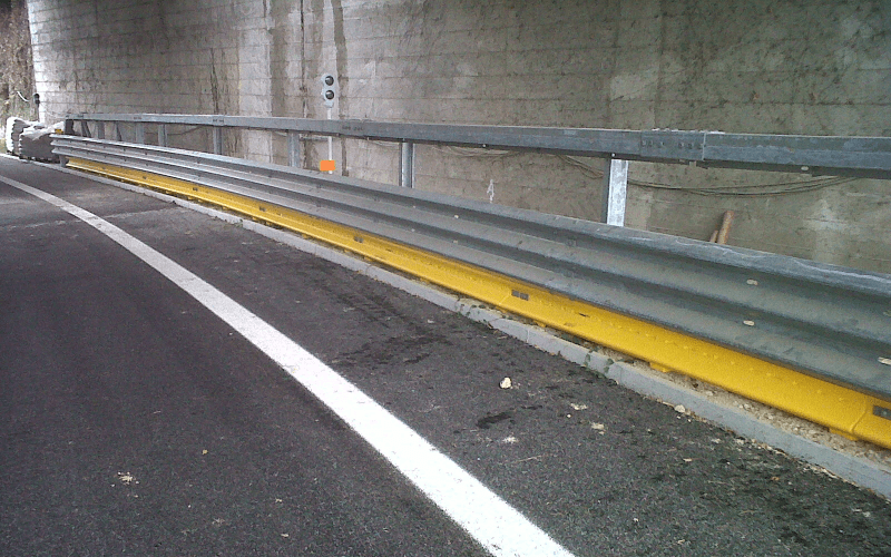 barriera acciaio strada
