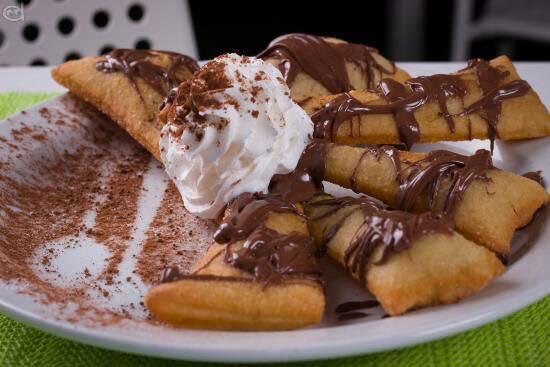 degli gnocchi fritti con cioccolato