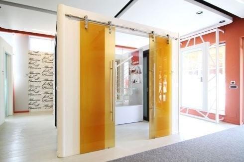 Portes vitrées coulissantes en verre dépoli