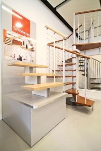 Escaliers en colimaçon revêtus de bois