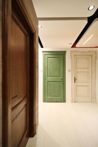 portes de meubles en bois coloré