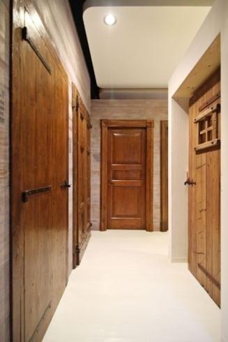 portes de meubles en bois finition antiquaire