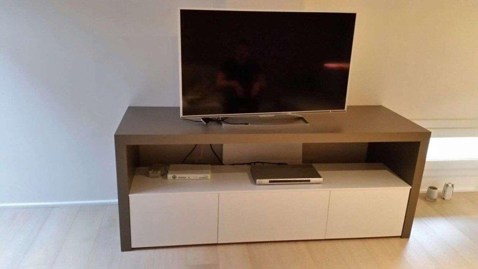 arredo tv in legno