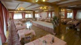 sala per banchetti, zona buffet, tavoli ristorante