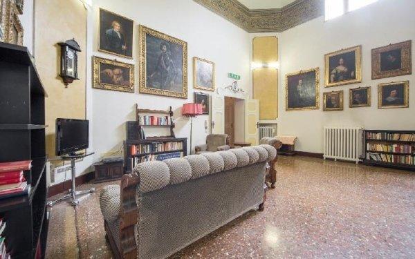 Sala biblioteca Casa di riposo Francescana