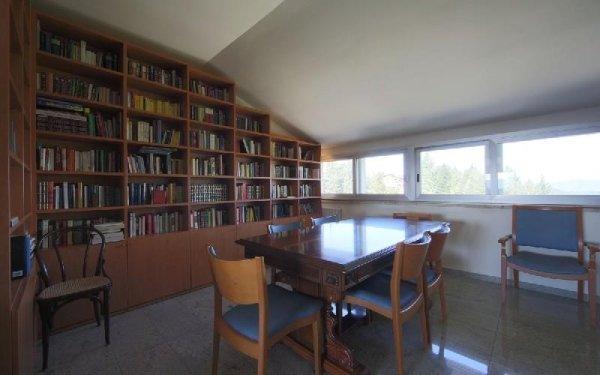 Salone biblioteca Casa di riposo Francescana
