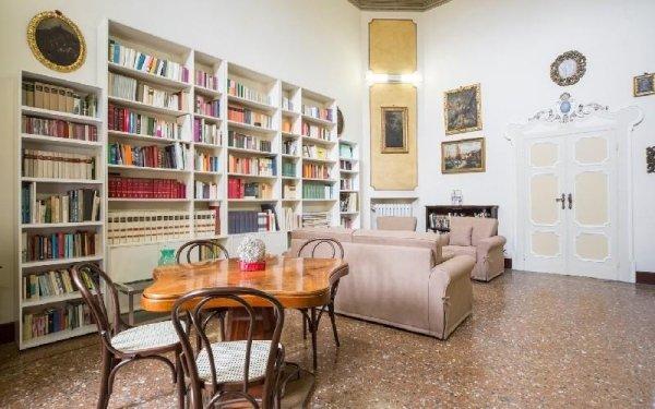 Sala libreria Casa di riposo Francescana