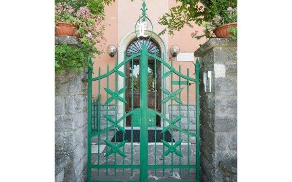 Cancello ingresso Casa di riposo Francescana