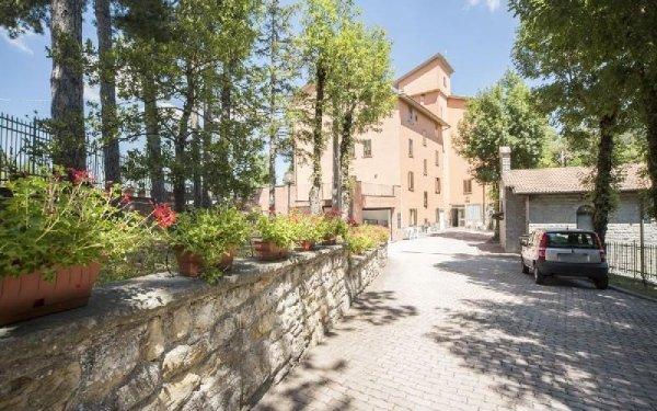 Viale ingresso Casa di riposo Francescana