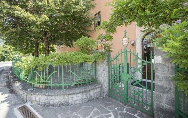 Cancello casa di riposo Francescana