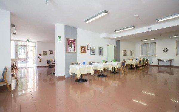 Tavoli cucina Casa di riposo Francescana