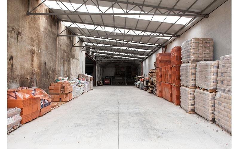 magazzino materiali edili