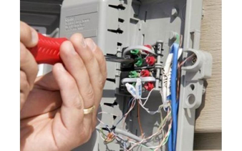 fornitura elettricisti