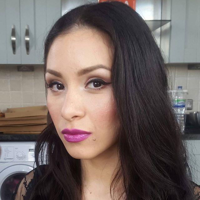 pink lip colour