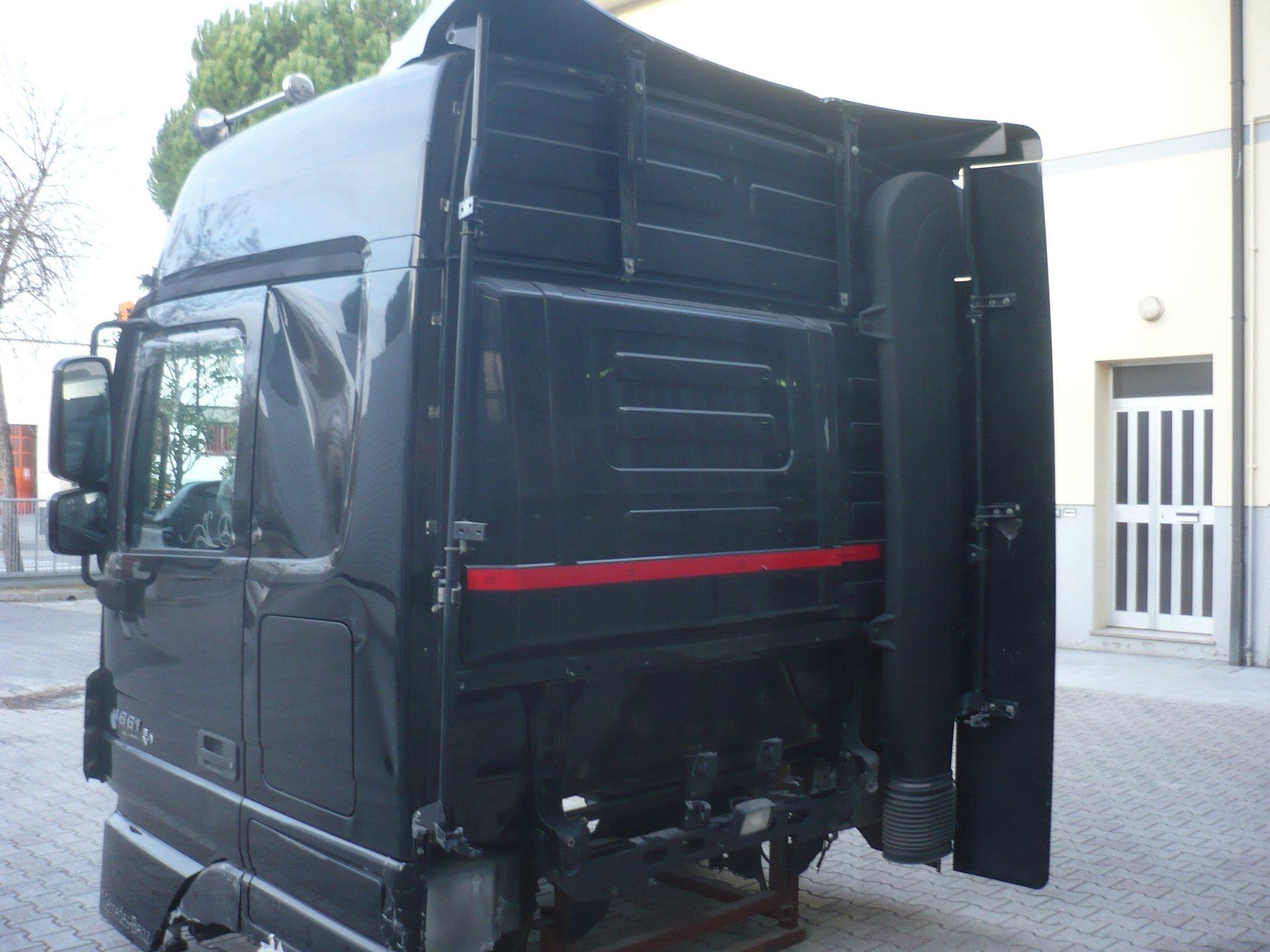 Cabina Volvo Fh Globetrotter 2000 Completa