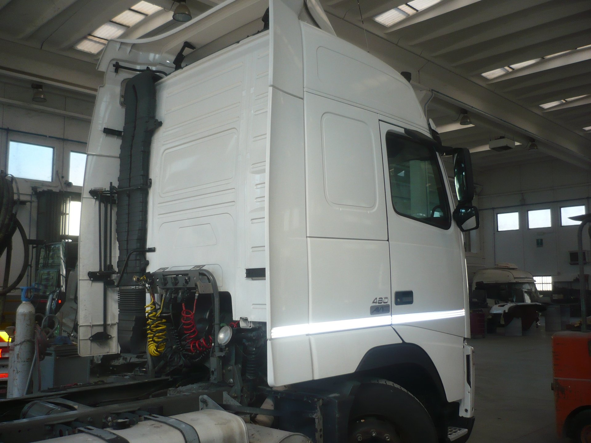Cabina Volvo Fh V2 460 Gt Completa Vista Trequarti Dietro