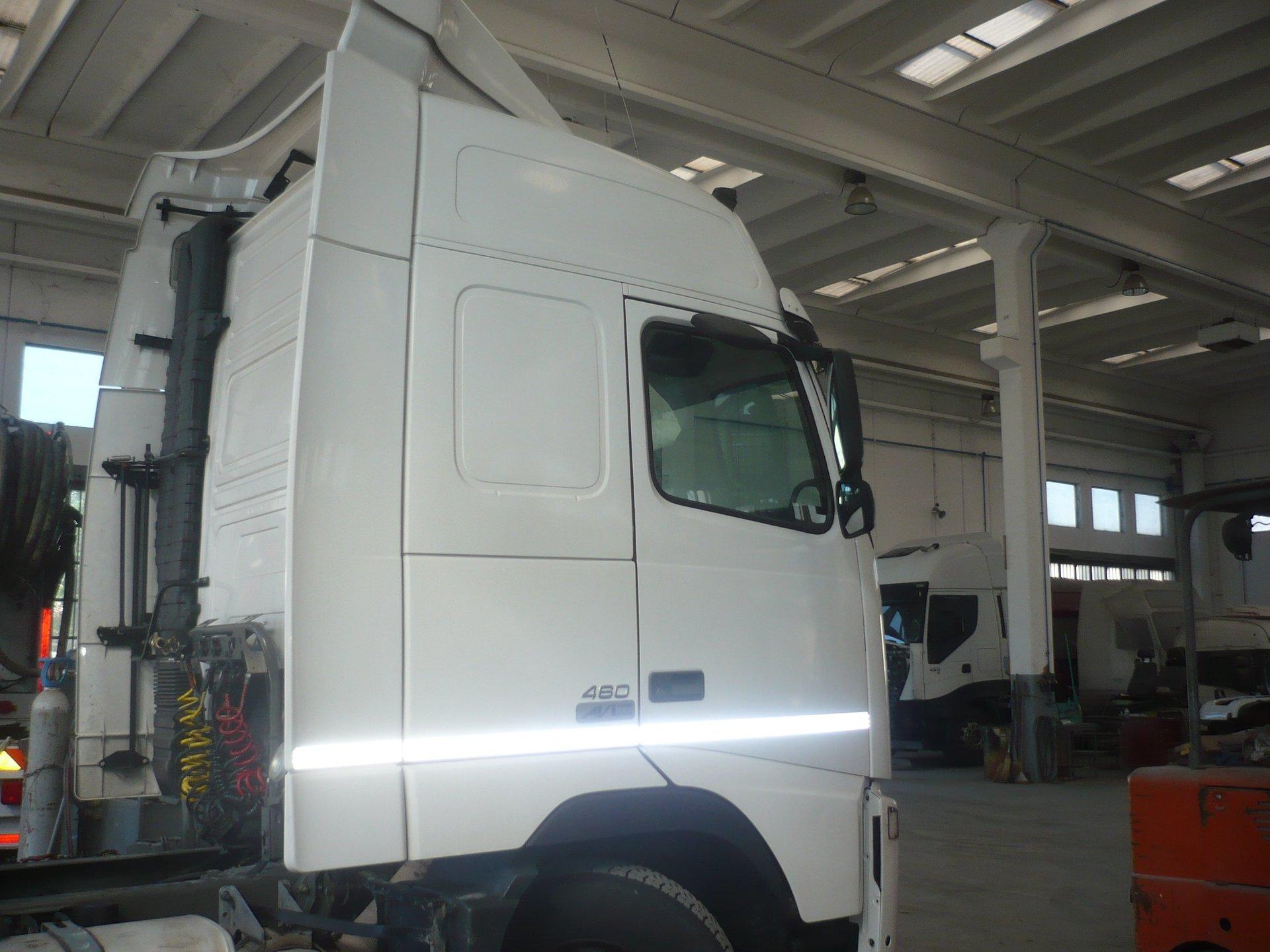 Cabina Volvo Fh V2 460 Gt Completa Vista Difianco Dietro