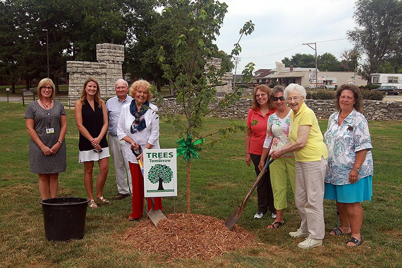 Planting Trees at Illinois Veteran's Home