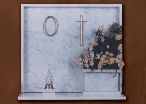 Lapide in marmo di Carrara
