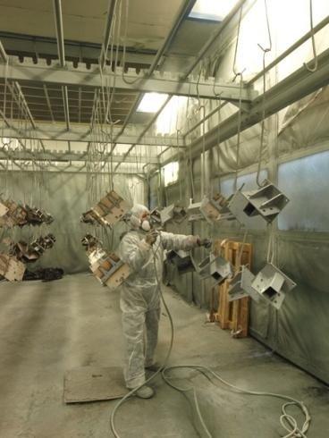 Verniciatura componenti metallici