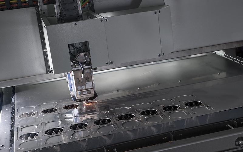 Sorgente laser in fibra
