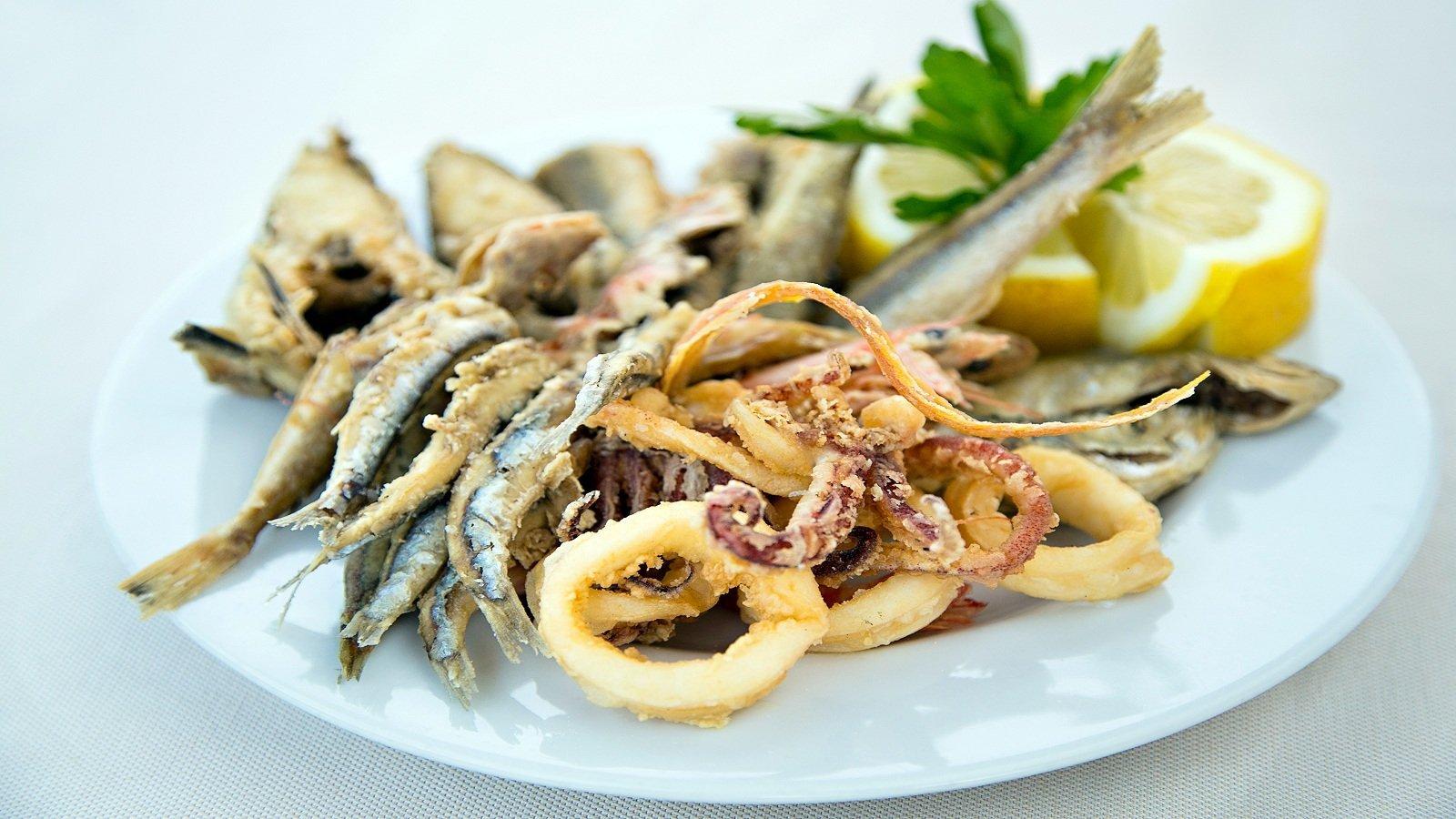 Fritto di pesce e frutti di mare