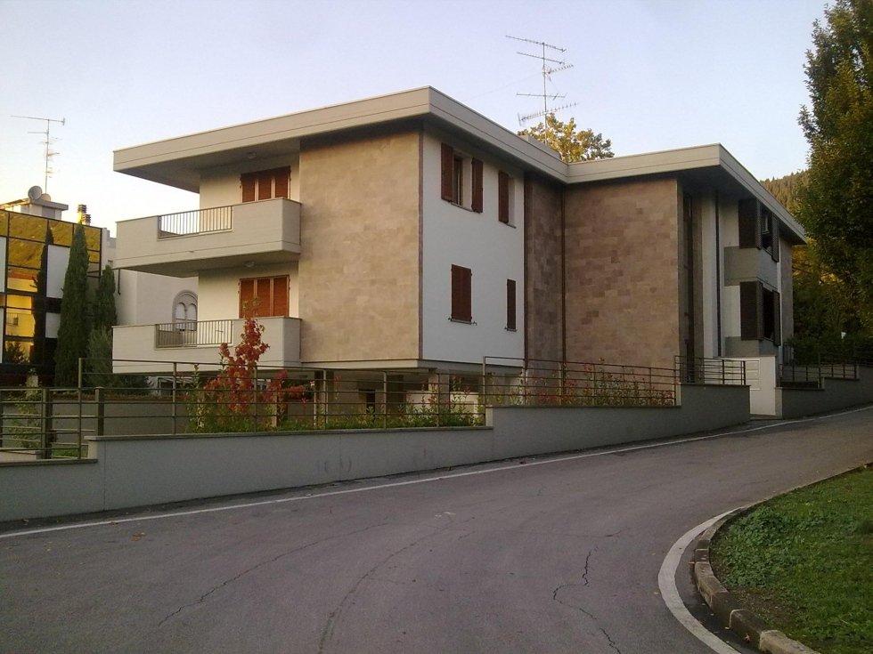 Nuova villetta realizzata da Pratonoleggi.jpeg