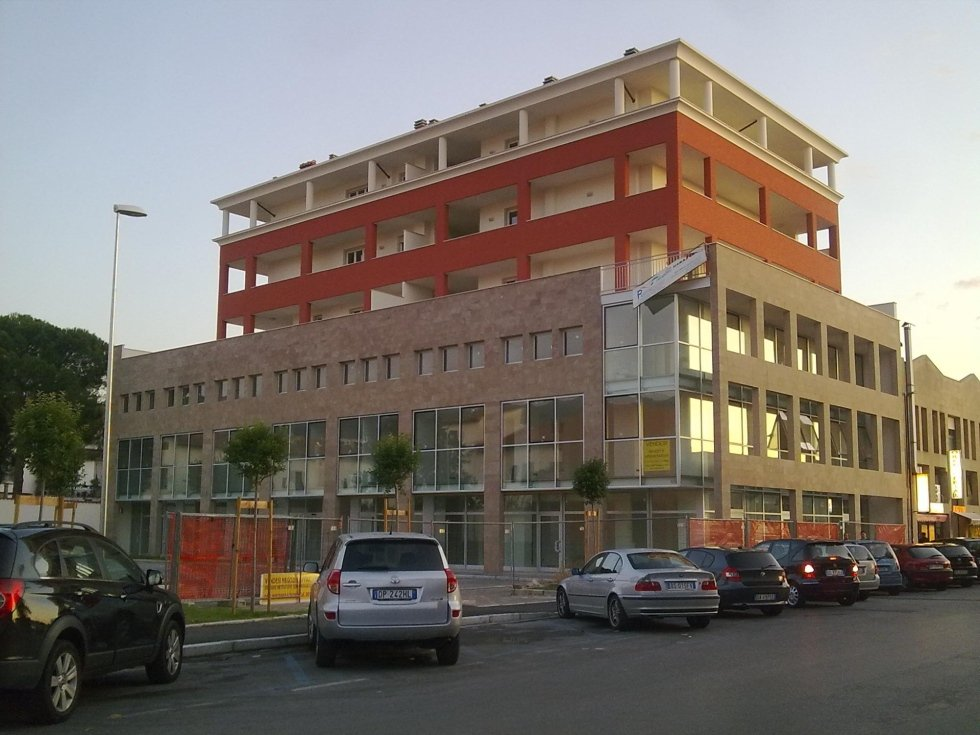 Centro direzionale  di via Marini realizzato da Pratonoleggi.jpeg