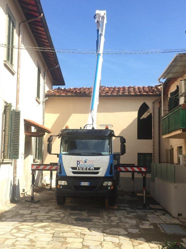Piattaforma aerea di 32 metri Multitel Pagliero via Roncioni Prato