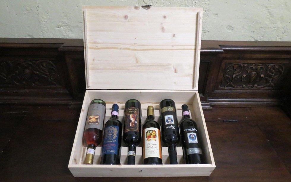 Idea regalo: cassetta di legno con selezione di vini pregiati